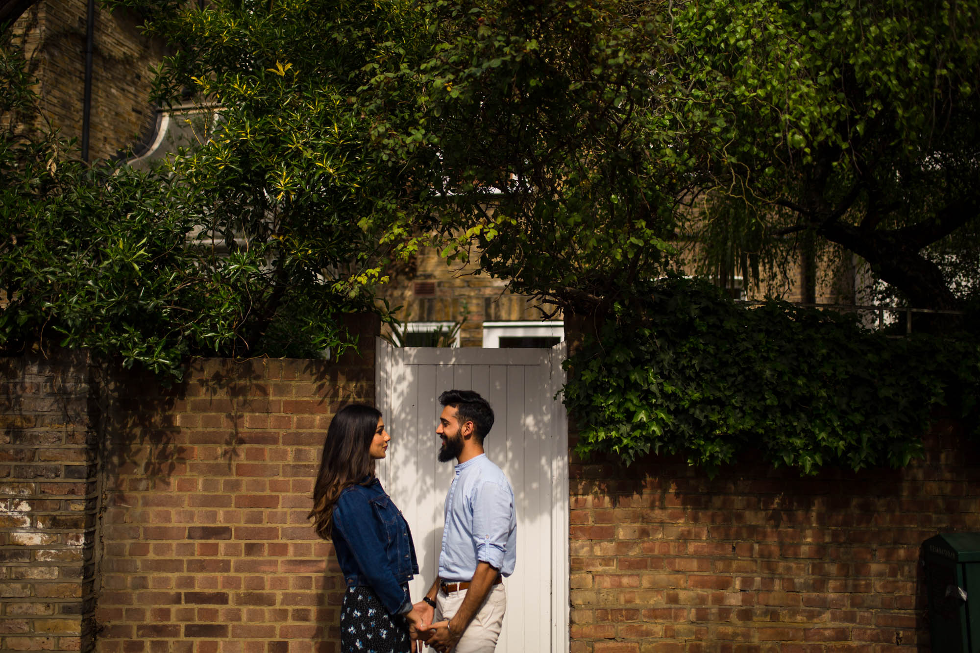 Notting Hill pre-wed shoot, Indian wedding photographer, what to wear to your engagement shoot