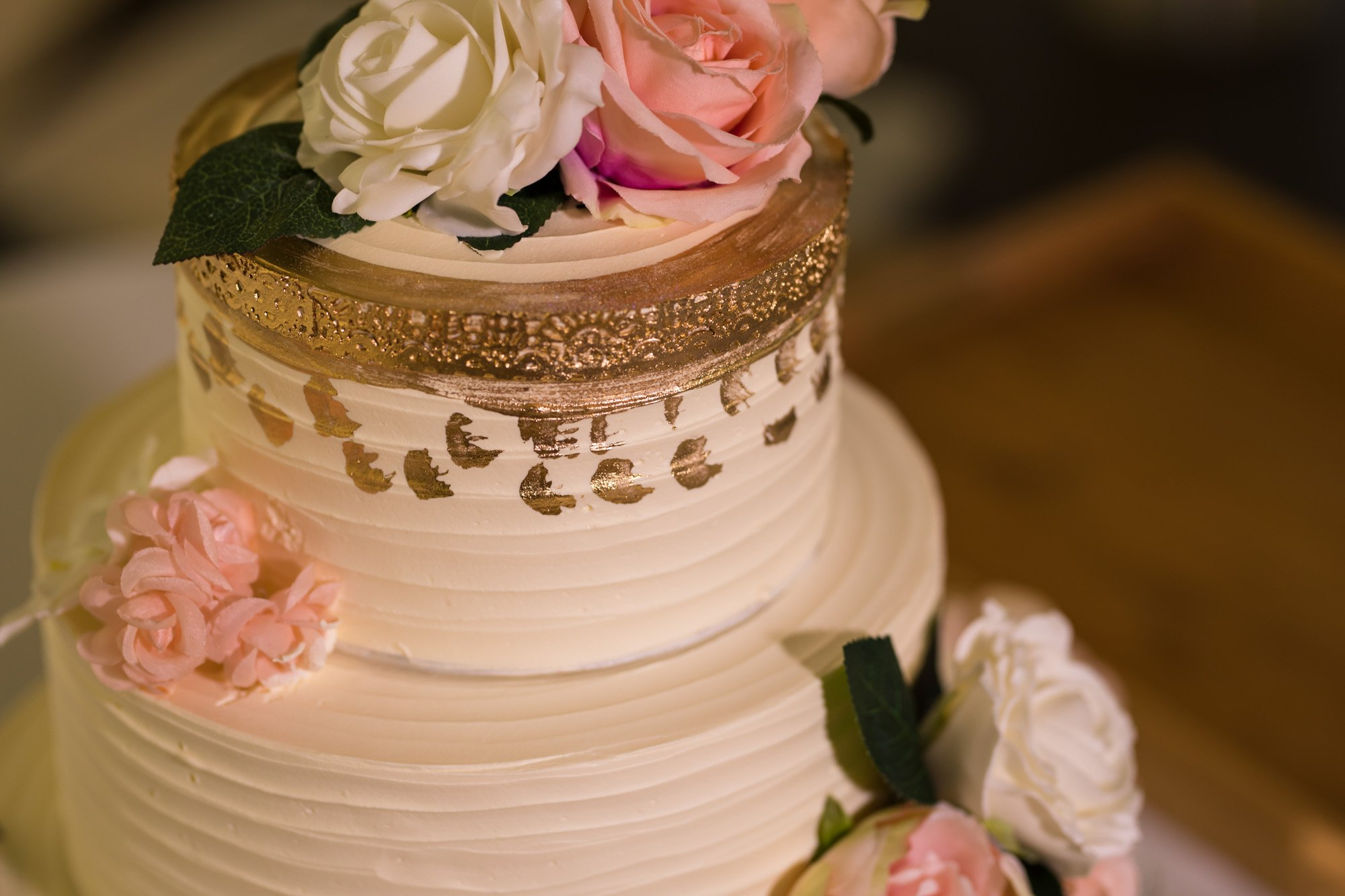 Indian wedding photographer in London, Regents University London, wedding cake