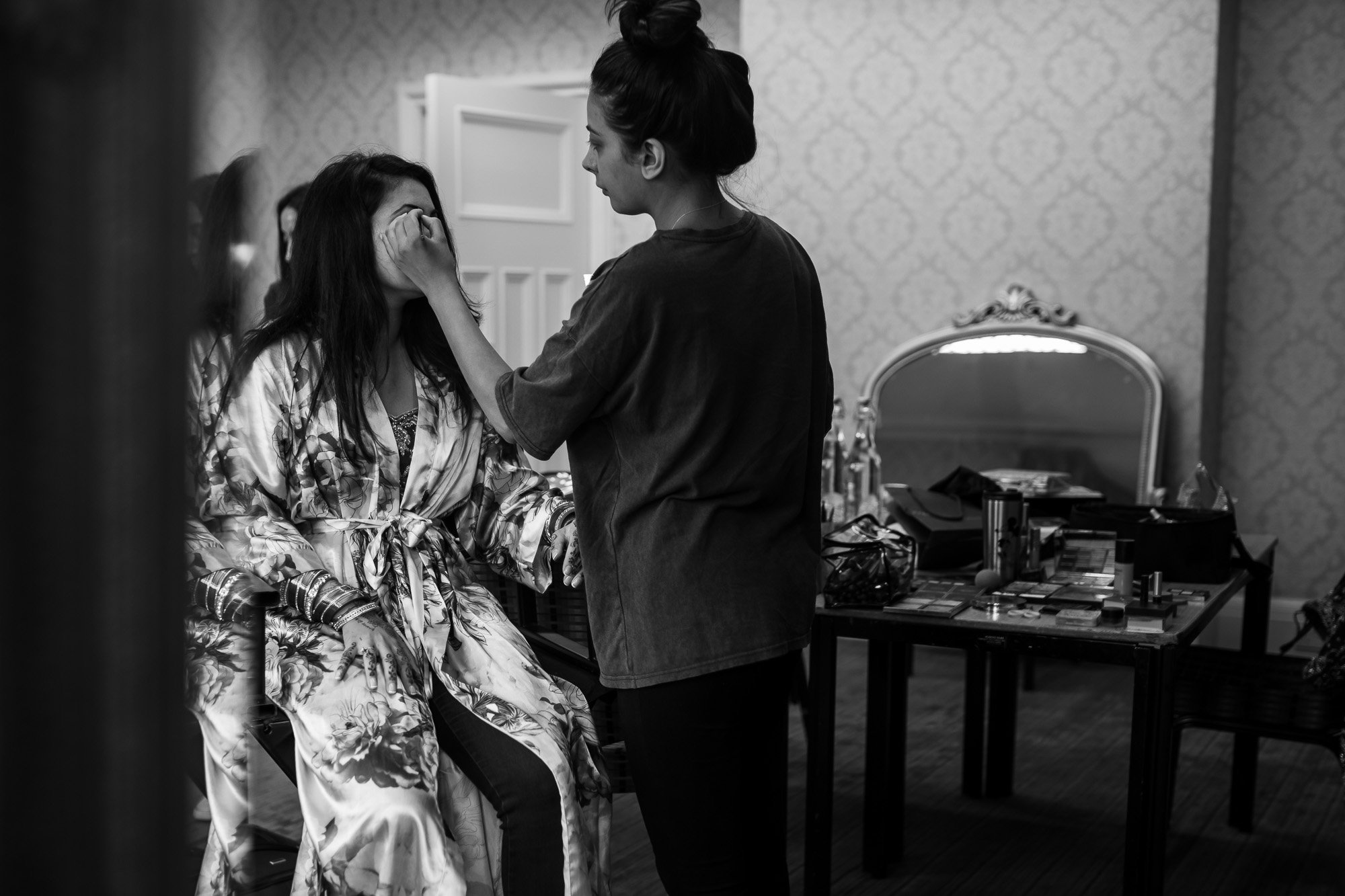 Dunchurch Park Hotel, Midlands Asian Wedding Photographer, bridal make up