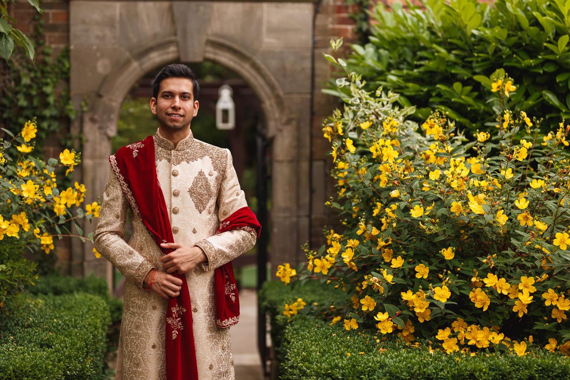 Dunchurch Park Hotel, Midlands Asian Wedding Photographer, groom arrival