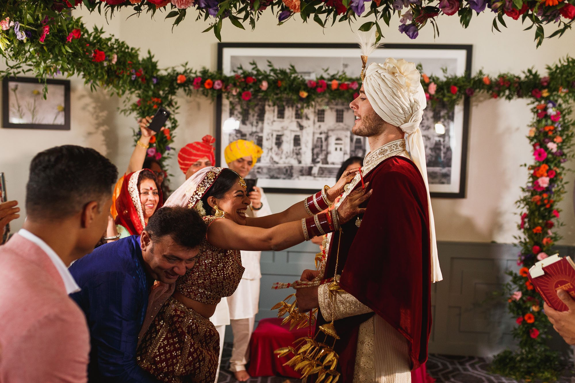 De Vere Wokefield Estate, Asian wedding photographer, hindu ceremony, mandap