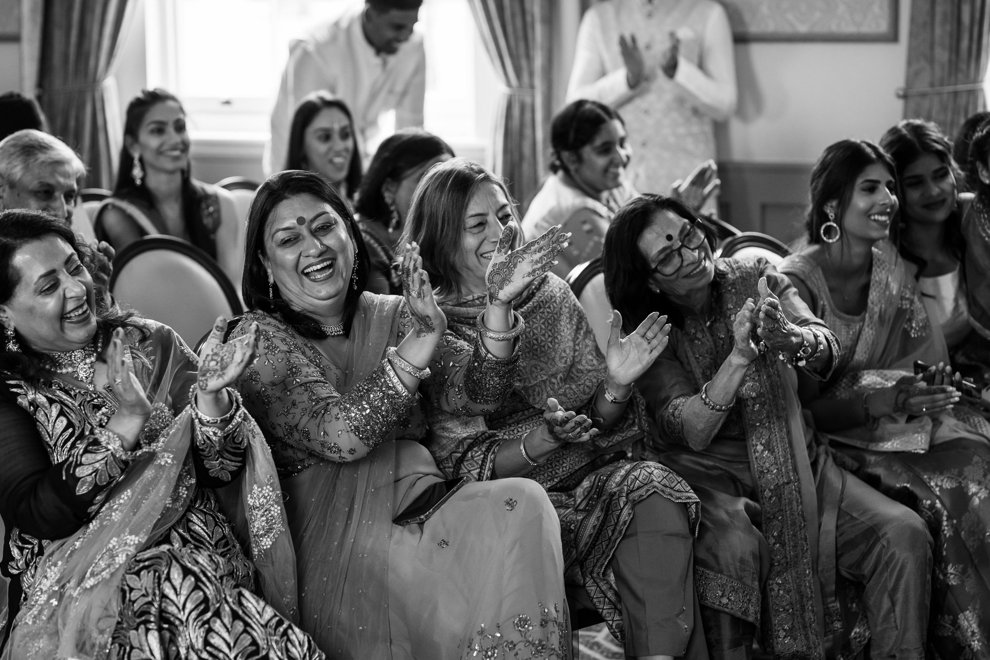 De Vere Wokefield Estate, Asian wedding photographer, hindu ceremony, crowd reactions