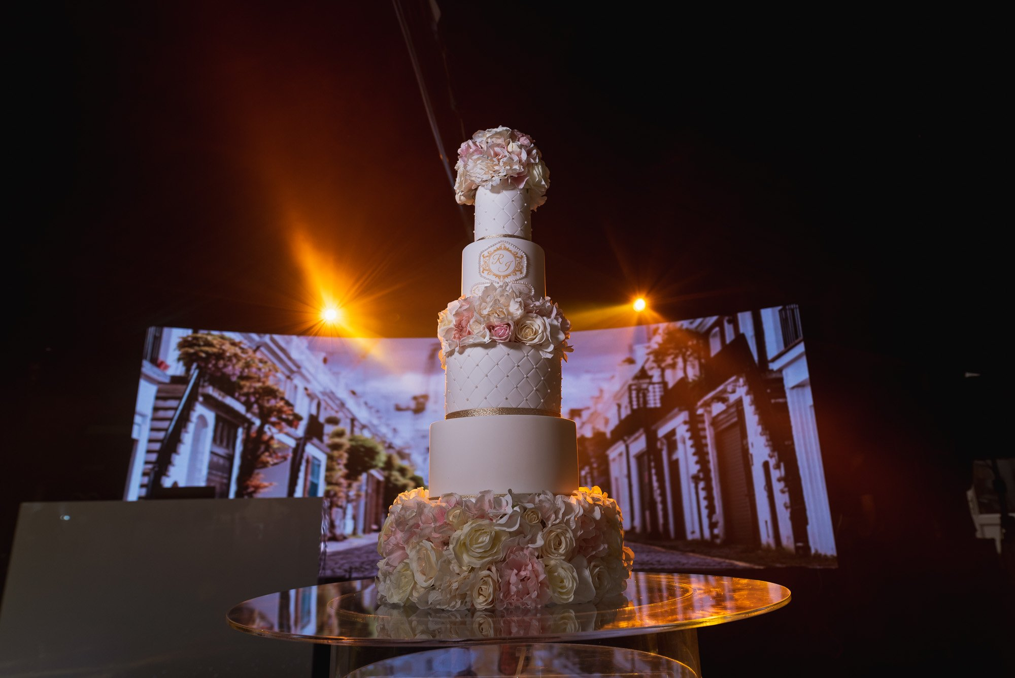 Dunchurch Park Hotel, Asian wedding photographer Midlands, wedding cake