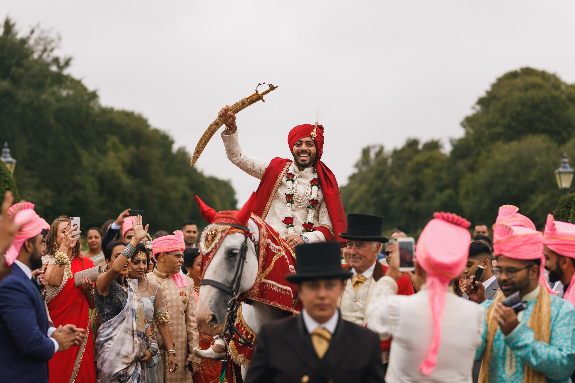 Heythrop Park Hotel, Oxfordshire, Groom arrival, horse