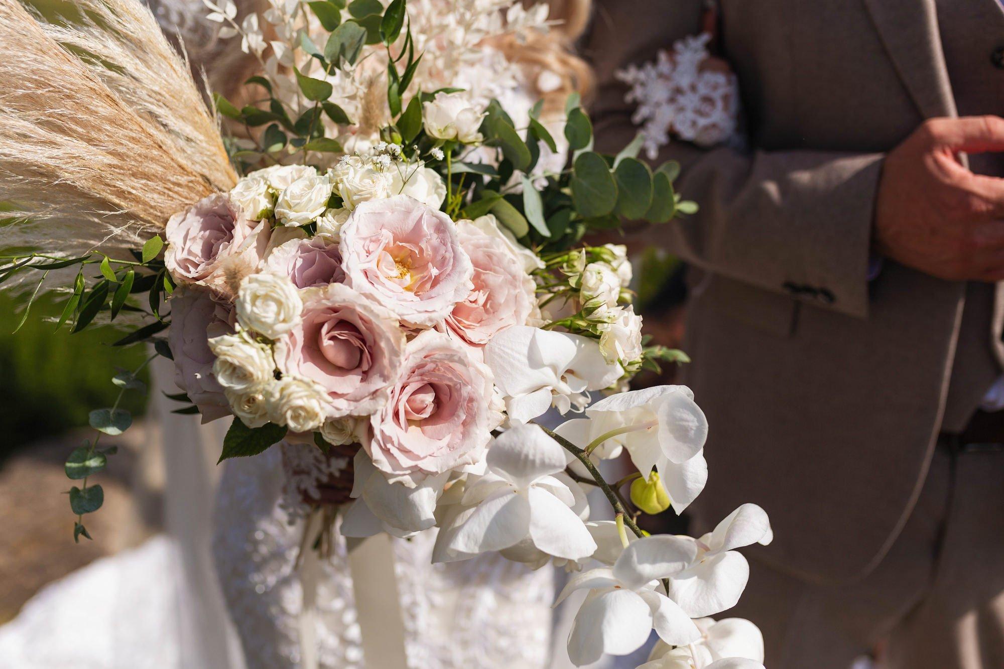 Euridge Manor, Cotswolds, civil ceremony, brides bouquet, Cotswolds wedding photographer