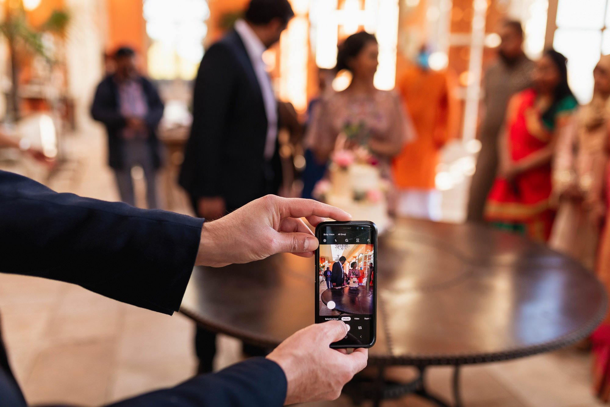 Indian wedding, cake cutting, Euridge Manor, Cotswolds, Asian wedding photographer