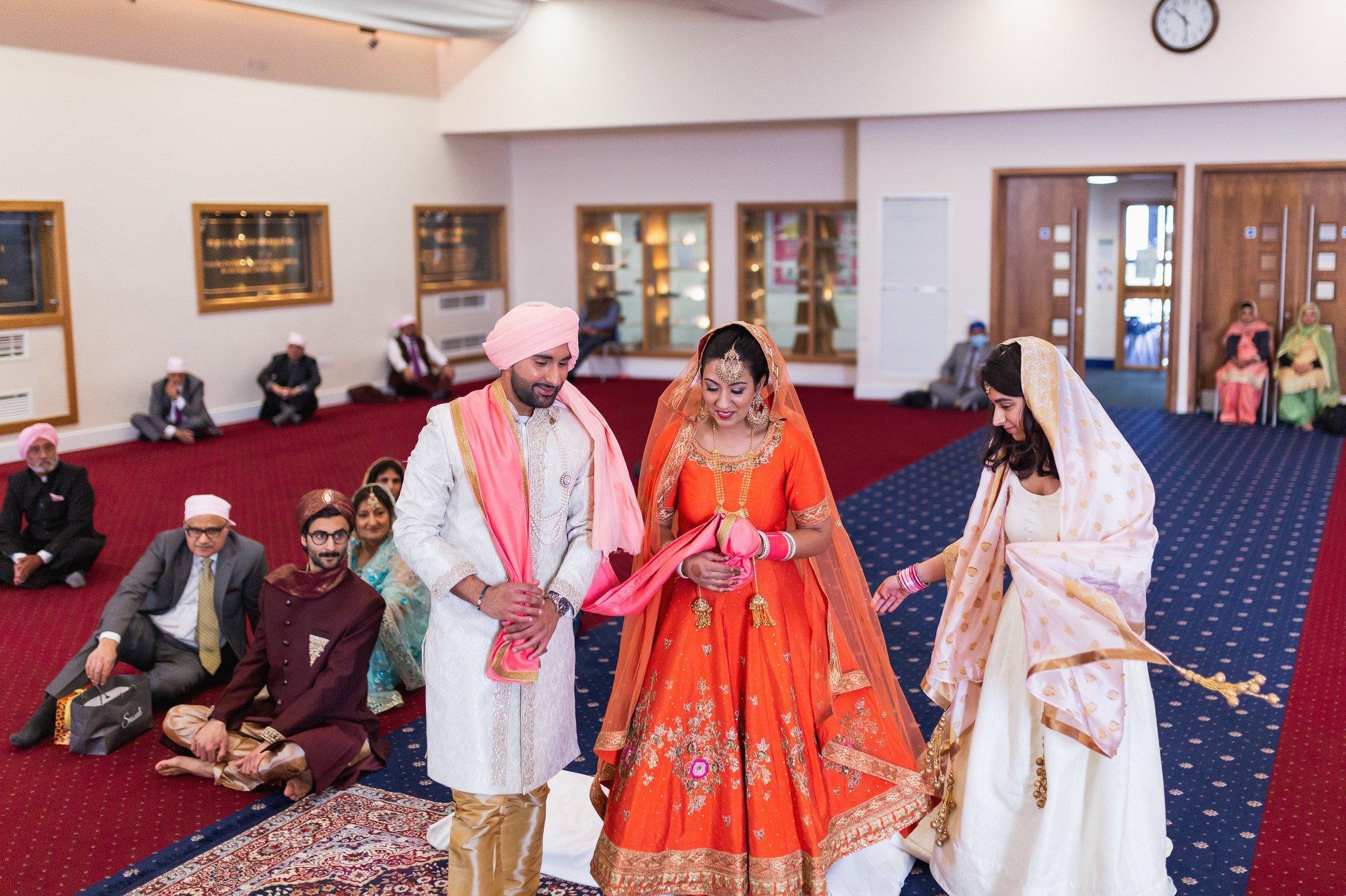 Guru Nanak Sikh Academy, Laavan, London, ceremony, Sikh wedding photographer